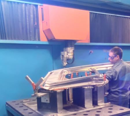 Five-axis-laser-cutting-machine